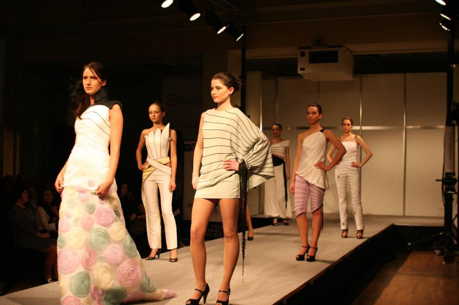 student-fashion-show